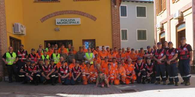 Oleggio gruppo volontari x Giro dItalia