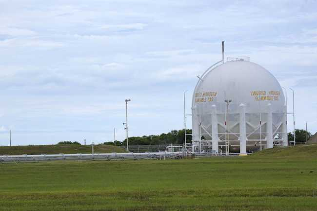 Liquid hydrogen storage tank at Launch Pad 39B
